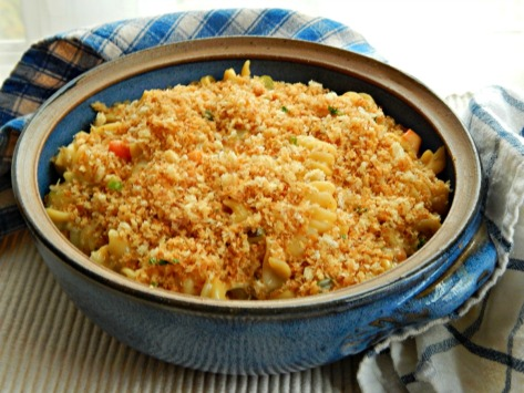 Cheesy Chicken (or Turkey) Noodle Casserole