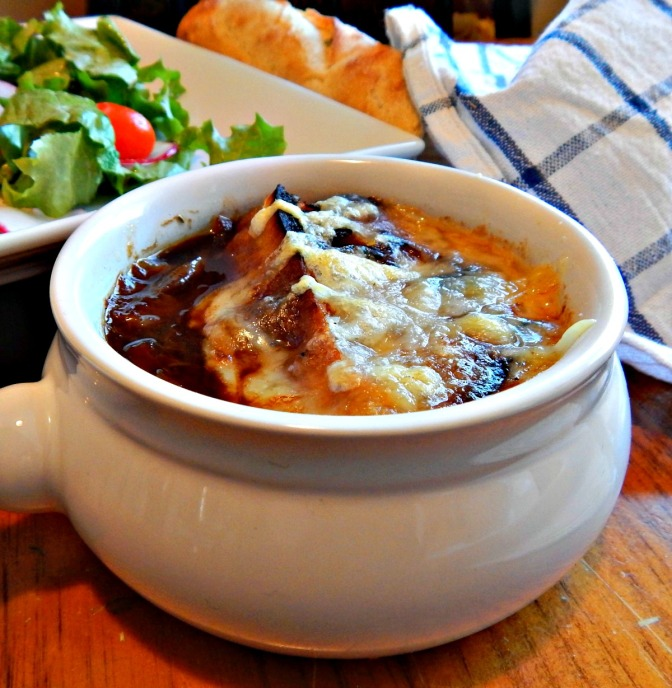 French Onion Soup - Easy recipe - onions are baked!