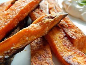 Stupid Simple Sweet Potato Fries - Crispy!