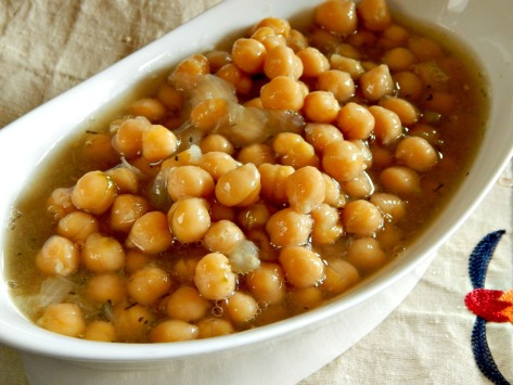 Chickpeas with Bay Leaves and Herbs