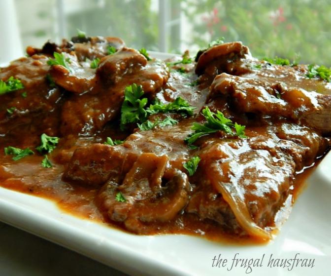 Swiss Steak with Mushroom Gravy – Instant Pot